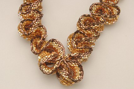 Elizabethan Ruffled Necklace Pattern